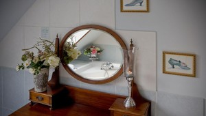 Bridal suite dressing table